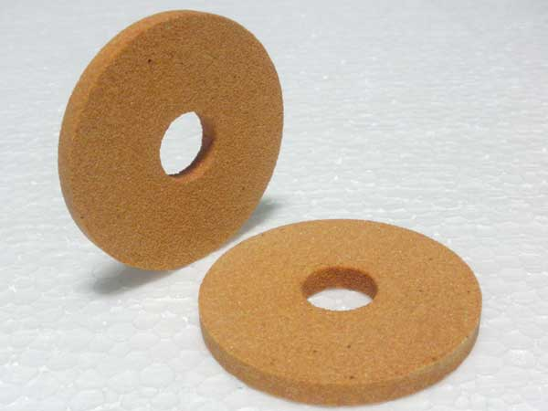 White aluminum oxide cylindrical grinding wheel with ferric oxide