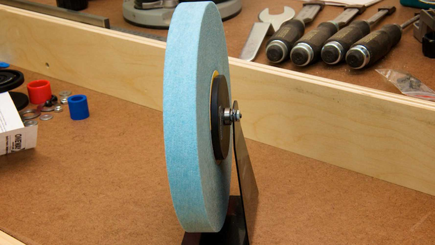 Static balance of the grinding wheel