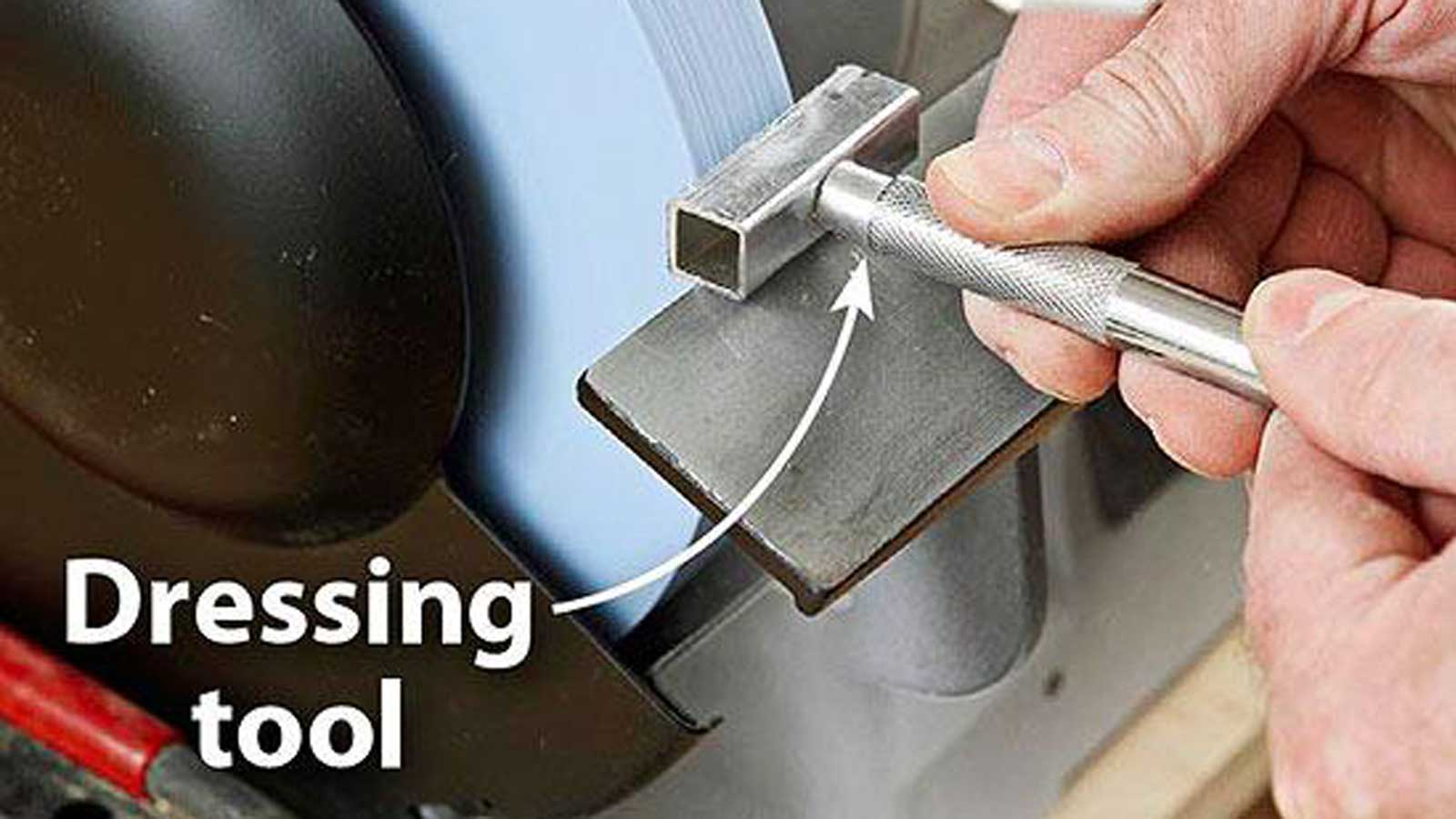 grinding-wheel-dressing-with-diamond-dresser