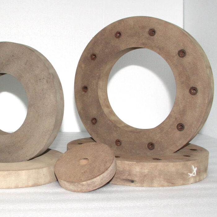 Rubber surface grinding wheel